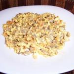 Салат с печенью и яйцом