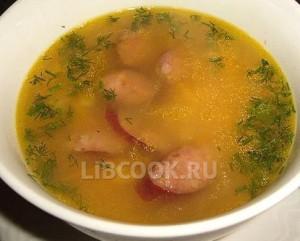 Суп с мясными клецками.