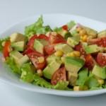 Салат из винограда и яблок с цветной капустой