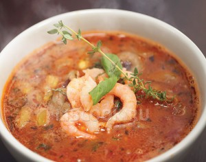 Aфриканский суп «Гамбо» с креветками и курицей