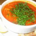 Мясной суп с томатами