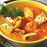 Рыбный суп с морепродуктами и картофелем
