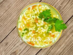Суп лапша с овощами