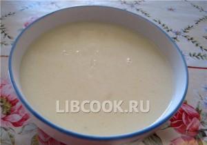 Суп молочный манный с изюмом
