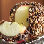 Яблоки в шоколаде и карамели