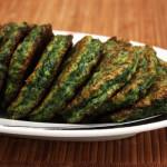 Зеленые оладьи из брокколи