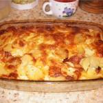Пирог из баранины, яблок и картофеля