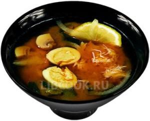 японский суп с яйцами и крабом