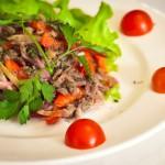 Итальянский салат с телятиной и болгарским перцем