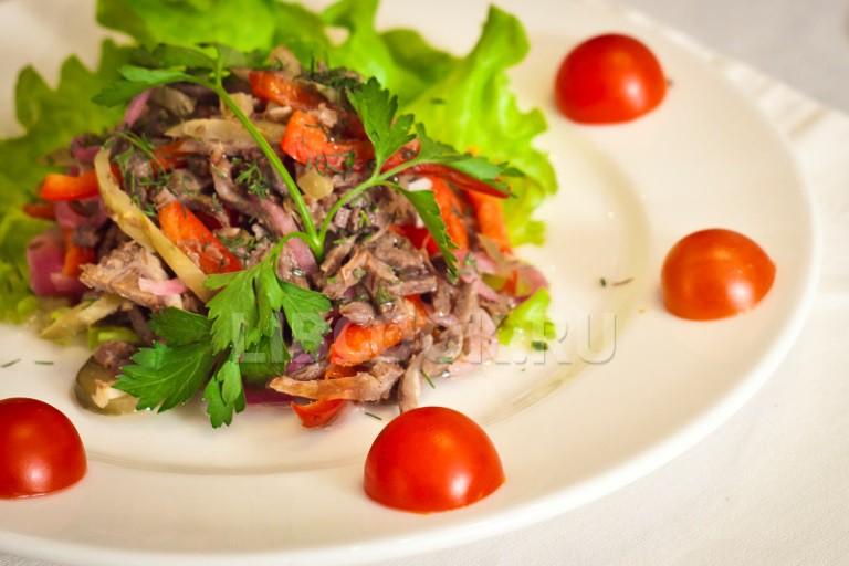 рецепт салата с телятиной и перцем