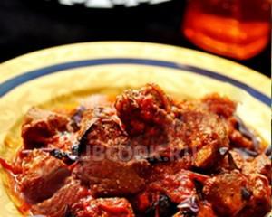 Рагу из баранины с болгарским перцем и томатами
