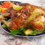 Курица запеченная с яблоками и чесноком