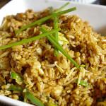 Рассыпчатый жареный рис с мидиями