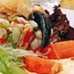 Севиче из устриц с салатом и соусом из маракуйи