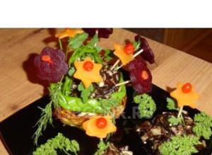 Грибное рагу c вареными овощами На цветочной поляне