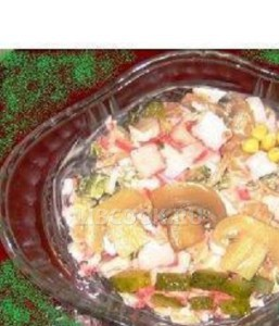 Грибной салат с корнишонами