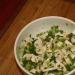 Салат из свежих шампиньонов с зеленым луком