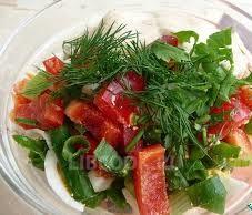 Салат из зеленого лука, яйца и болгарского перца