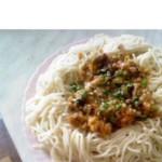 Спагетти с острым соусом