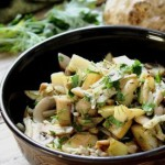 Теплый салат из шампиньонов с айвой