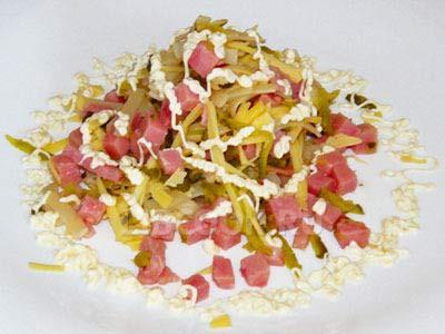 Салат из картофеля с сосисками