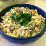 Салат с говядиной и сардинами