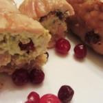 Рулетики из индейки с красной смородиной и сыром «Филадельфия»